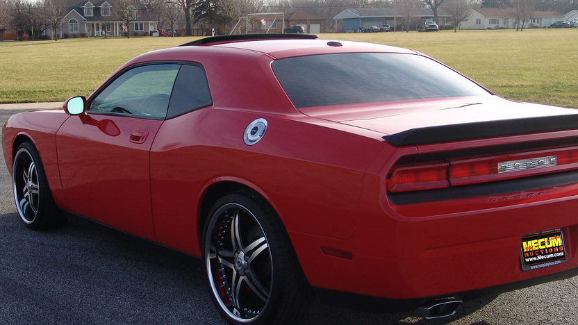 2010 Dodge Challenger presented as lot S191 at Kansas City, MO 2011 - image2