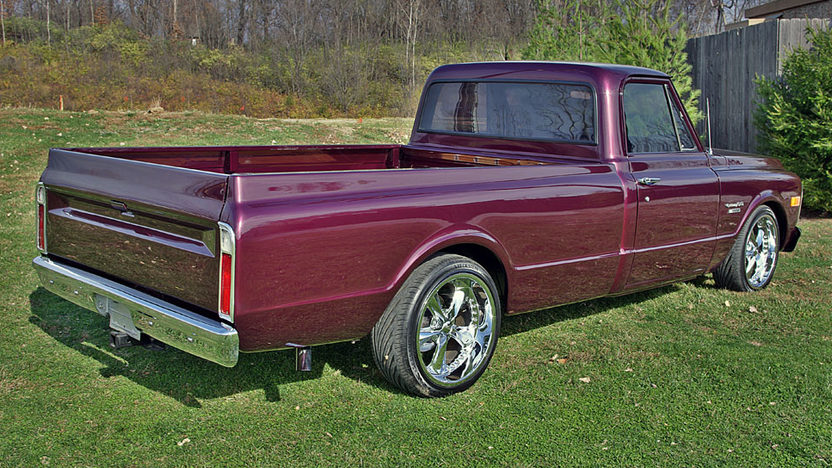1970 Chevrolet C-10 Pickup 4-Speed presented as lot S208 at Kansas City, MO 2011 - image2