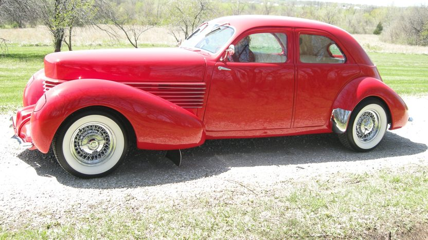 1937 Cord Street Rod 350 CI, Automatic presented as lot S51 at Kansas City, MO 2011 - image8