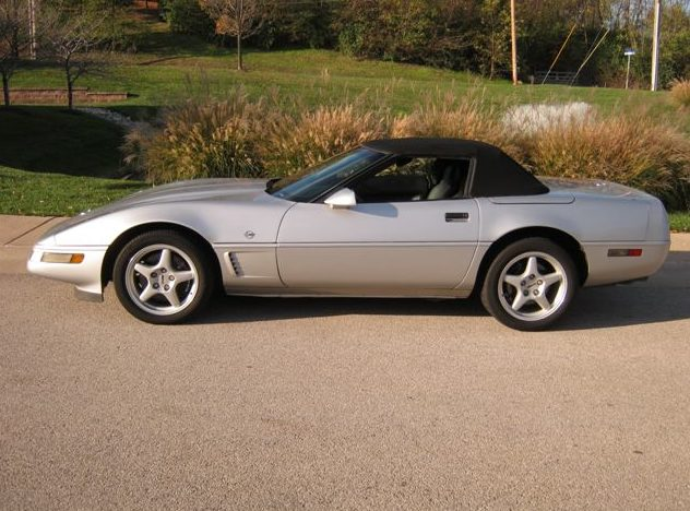1996 Chevrolet Corvette Convertible 350/300 HP, Automatic presented as lot S55 at Kansas City, MO 2011 - image2