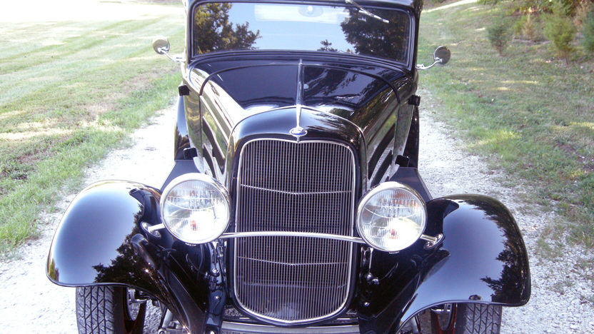 1932 Ford  Street Rod 350 CI presented as lot S77 at Kansas City, MO 2011 - image2