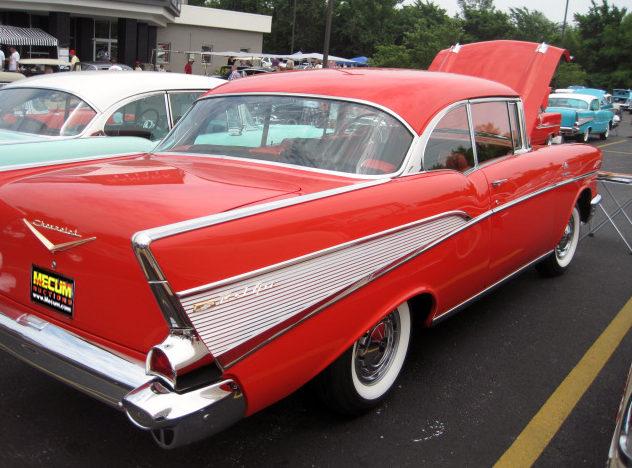 1957 Chevrolet Bel Air 2-Door Hardtop 283/283 HP, 3-Speed presented as lot S81 at Kansas City, MO 2011 - image9