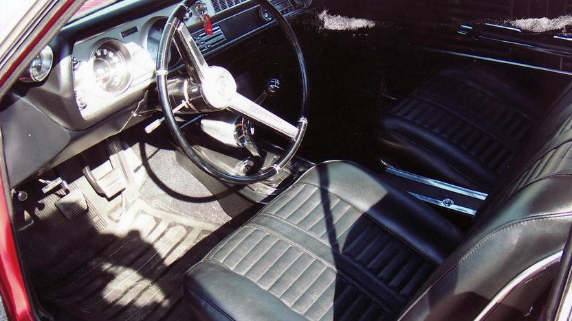 1966 Oldsmobile 442 presented as lot S92 at Kansas City, MO 2011 - image4