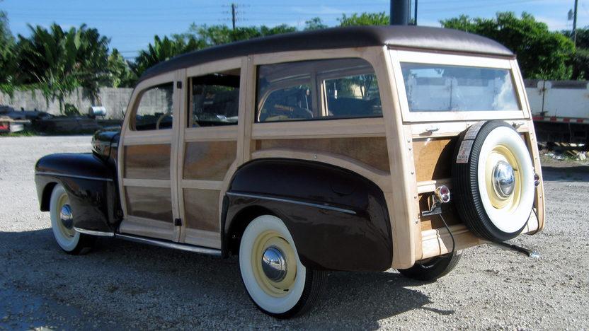 1942 Ford Woody Station Wagon presented as lot S96 at Kansas City, MO 2011 - image11