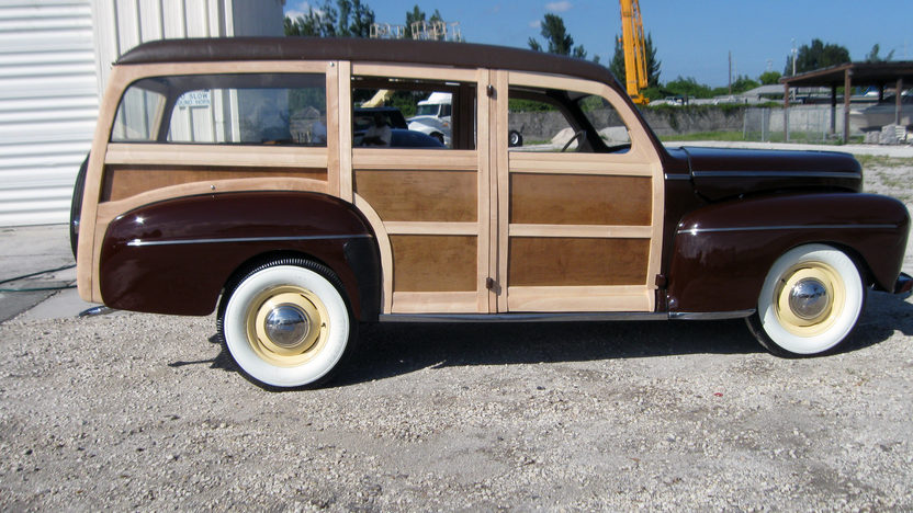 1942 Ford Woody Station Wagon presented as lot S96 at Kansas City, MO 2011 - image2