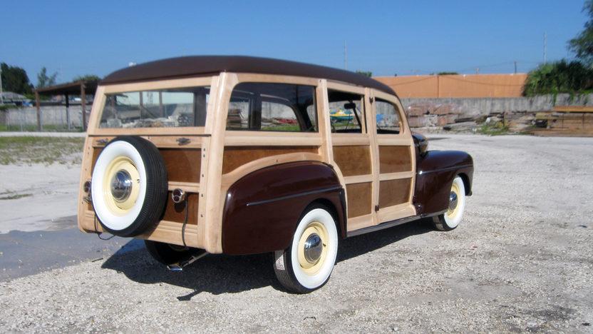 1942 Ford Woody Station Wagon presented as lot S96 at Kansas City, MO 2011 - image3