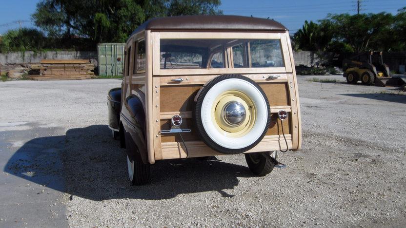 1942 Ford Woody Station Wagon presented as lot S96 at Kansas City, MO 2011 - image4