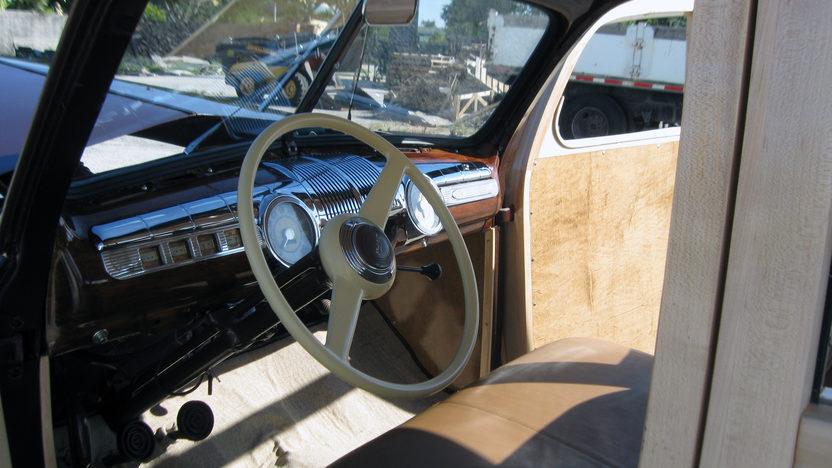 1942 Ford Woody Station Wagon presented as lot S96 at Kansas City, MO 2011 - image6