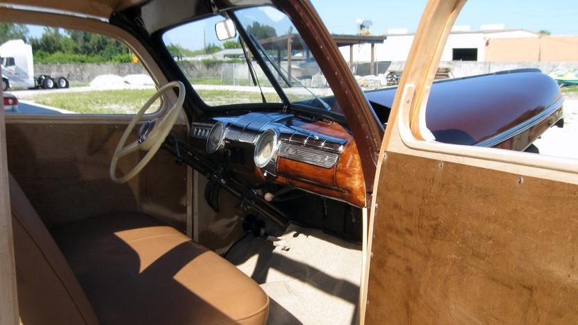 1942 Ford Woody Station Wagon presented as lot S96 at Kansas City, MO 2011 - image7