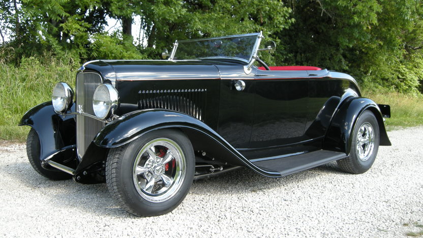 1932 Ford Street Rod Roadster 355 CI, Automatic presented as lot S102 at Kansas City, MO 2011 - image2
