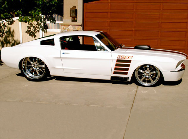 1967 Ford Mustang Resto Mod 700 HP, 6-Speed presented as lot S111 at Kansas City, MO 2011 - image11