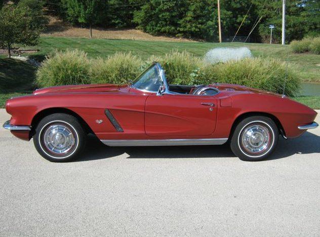 1962 Chevrolet Corvette Convertible 327 CI, 4-Speed presented as lot S135 at Kansas City, MO 2011 - image2