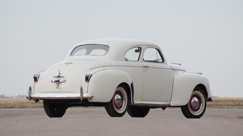 1941 Chrysler Windsor presented as lot S138 at Kansas City, MO 2011 - image3