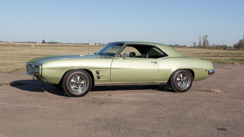 1969 Pontiac Firebird 350 CI, Automatic presented as lot S143 at Kansas City, MO 2011 - image2