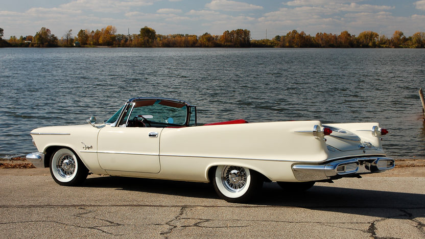 1958 Chrysler Imperial Crown Convertible presented as lot S146 at Kansas City, MO 2011 - image7