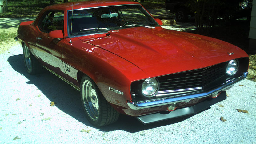 1969 Chevrolet Camaro SS Coupe 468 CI, 6-Speed presented as lot S148 at Kansas City, MO 2011 - image2