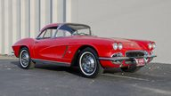1962 Chevrolet Corvette 327/340 HP, 4-Speed presented as lot T209 at Kansas City, MO 2011 - thumbail image10