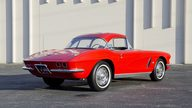 1962 Chevrolet Corvette 327/340 HP, 4-Speed presented as lot T209 at Kansas City, MO 2011 - thumbail image2