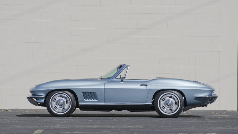 1967 Chevrolet Corvette Convertible 327/350 HP, 4-Speed presented as lot S83.1 at Kansas City, MO 2011 - image2