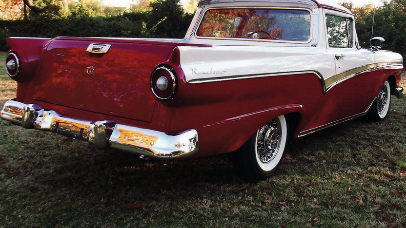 1957 Ford Ranchero presented as lot S105.1 at Kansas City, MO 2011 - image2