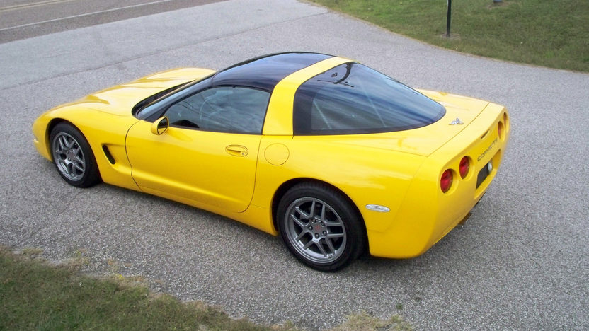 2003 Chevrolet Corvette Coupe Automatic presented as lot S64.1 at Kansas City, MO 2011 - image3