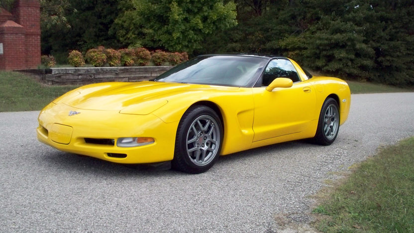 2003 Chevrolet Corvette Coupe Automatic presented as lot S64.1 at Kansas City, MO 2011 - image8