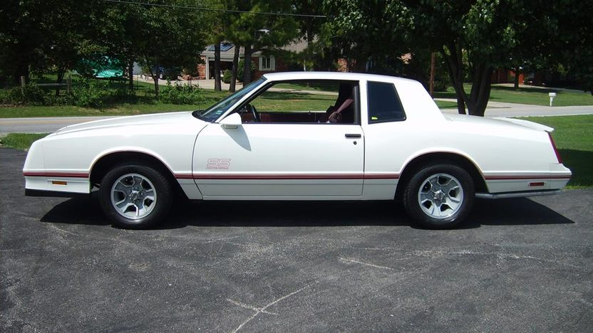 1987 Chevrolet Monte Carlo SS 305 CI, Automatic presented as lot F76.1 at Kansas City, MO 2011 - image2