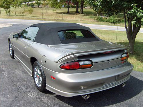 2002 Chevrolet Camaro Z28 Convertible LT1, Automatic presented as lot F138.1 at Kansas City, MO 2011 - image7