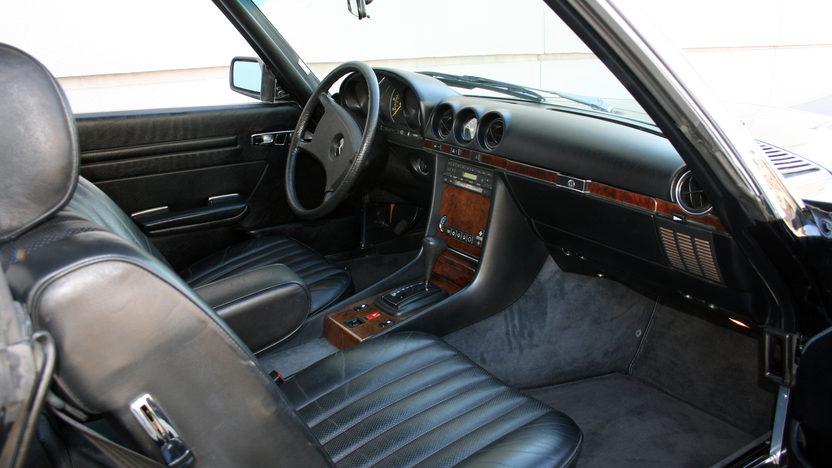 1984 Mercedes-Benz 380 SL Convertible Automatic presented as lot F151.1 at Kansas City, MO 2011 - image2