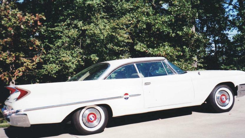 1960 Chrysler 300F 2-Door Hardtop 413/375 HP, Automatic presented as lot F120.1 at Kansas City, MO 2011 - image7