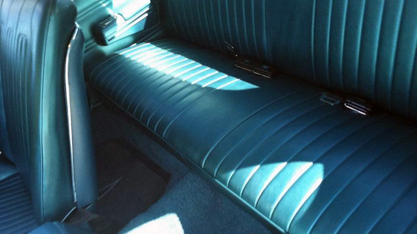 1968 Pontiac GTO 400/350 HP, Automatic presented as lot T170 at Kansas City, MO 2011 - image4