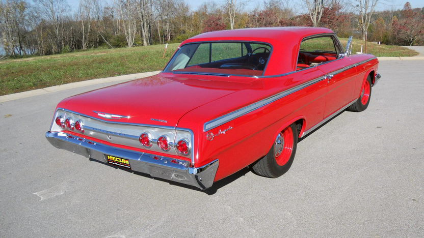 1962 Chevrolet Impala SS 2-Door Hardtop 409/409 HP, 4-Speed presented as lot S127.1 at Kansas City, MO 2011 - image2