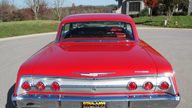 1962 Chevrolet Impala SS 2-Door Hardtop 409/409 HP, 4-Speed presented as lot S127.1 at Kansas City, MO 2011 - thumbail image3