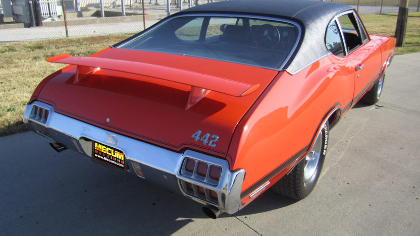 1972 Oldsmobile Cutlass Coupe 455 CI, Automatic presented as lot F122.1 at Kansas City, MO 2011 - image2