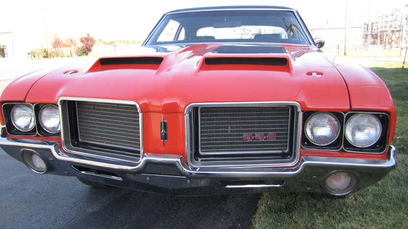 1972 Oldsmobile Cutlass Coupe 455 CI, Automatic presented as lot F122.1 at Kansas City, MO 2011 - image6