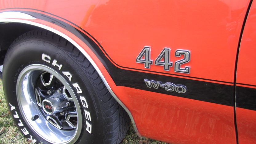 1972 Oldsmobile Cutlass Coupe 455 CI, Automatic presented as lot F122.1 at Kansas City, MO 2011 - image7