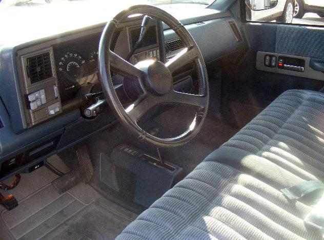 1990 GMC Sierra 1500 Pickup 5.7/350 HP, Automatic presented as lot T158 at Kansas City, MO 2011 - image3
