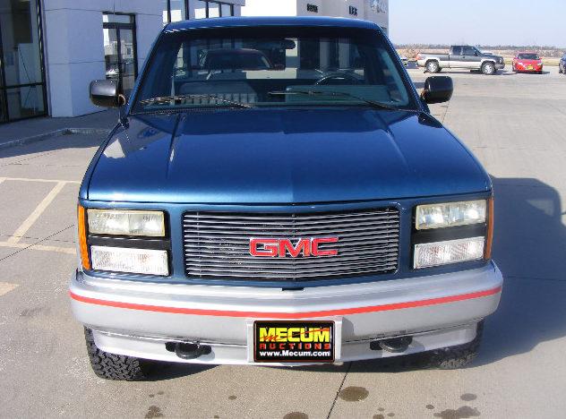1990 GMC Sierra 1500 Pickup 5.7/350 HP, Automatic presented as lot T158 at Kansas City, MO 2011 - image5