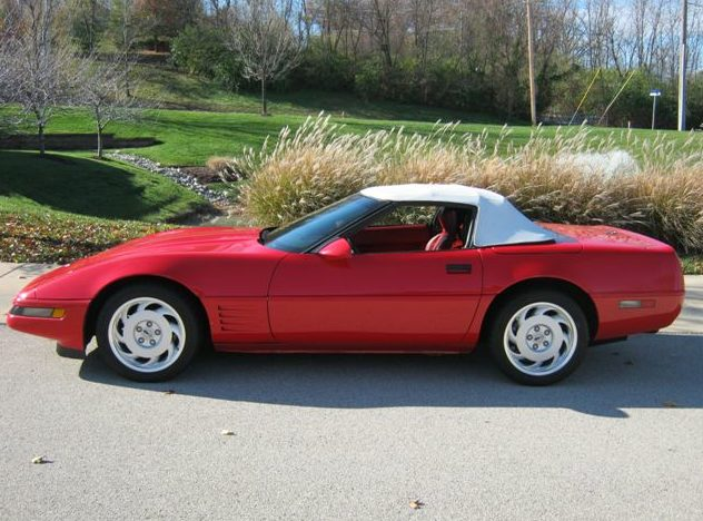 1991 Chevrolet Corvette Convertible 350/245 HP, Automatic presented as lot F16 at Kansas City, MO 2011 - image2