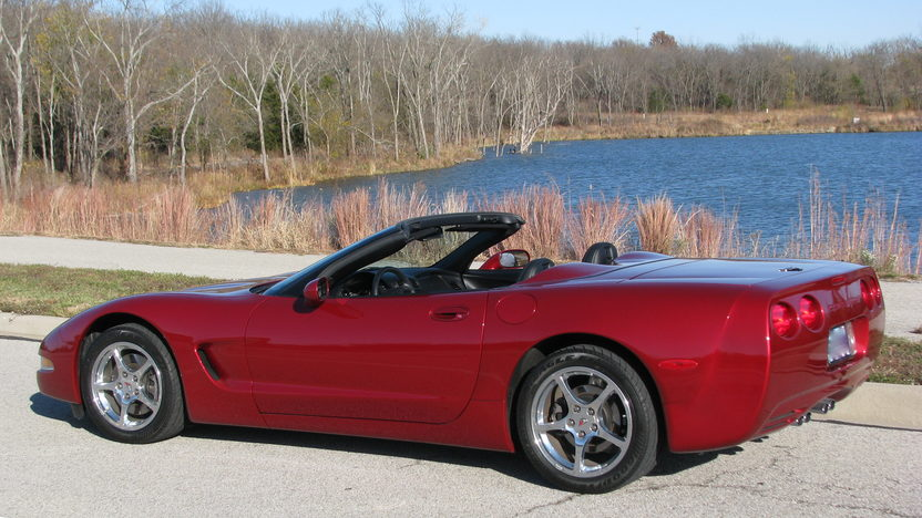 2004 Chevrolet Corvette Convertible 5.7L/350 HP, 6-Speed presented as lot S6 at Kansas City, MO 2011 - image2