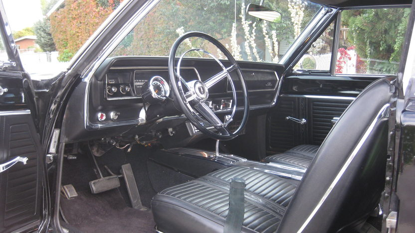 1967 Plymouth GTX 2-Door Hardtop 440/375 HP, 3-Speed presented as lot T237.1 at Kansas City, MO 2011 - image3