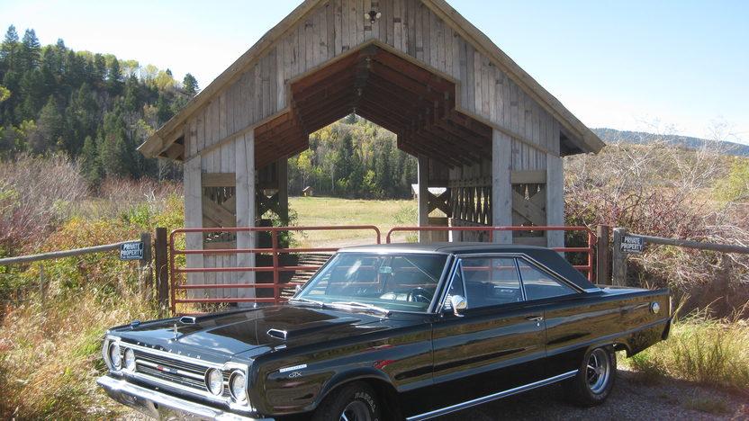 1967 Plymouth GTX 2-Door Hardtop 440/375 HP, 3-Speed presented as lot T237.1 at Kansas City, MO 2011 - image8