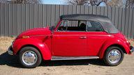 1971 Volkswagen Super Beetle Convertible presented as lot T200 at Kansas City, MO 2012 - thumbail image6