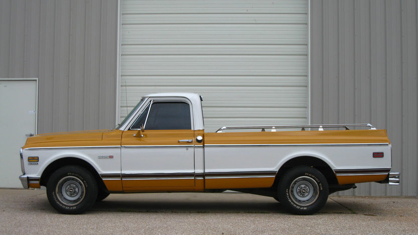 1971 Chevrolet C10 Pickup 350/250 HP, Automatic presented as lot F83 at Kansas City, MO 2012 - image2