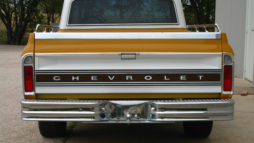 1971 Chevrolet C10 Pickup 350/250 HP, Automatic presented as lot F83 at Kansas City, MO 2012 - image5