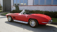 1967 Chevrolet Corvette Convertible 327/350 HP, 4-Speed presented as lot F162 at Kansas City, MO 2012 - thumbail image6
