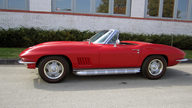 1967 Chevrolet Corvette Convertible 327/350 HP, 4-Speed presented as lot F162 at Kansas City, MO 2012 - thumbail image7