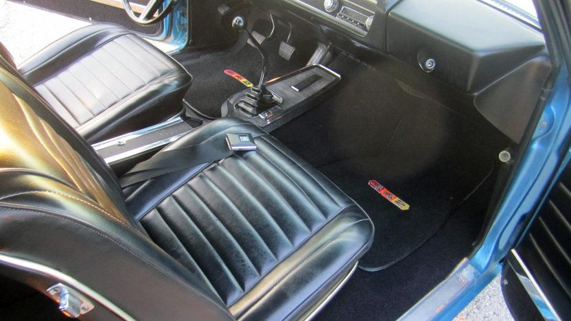 1967 Oldsmobile 442 Convertible presented as lot F174 at Kansas City, MO 2012 - image2