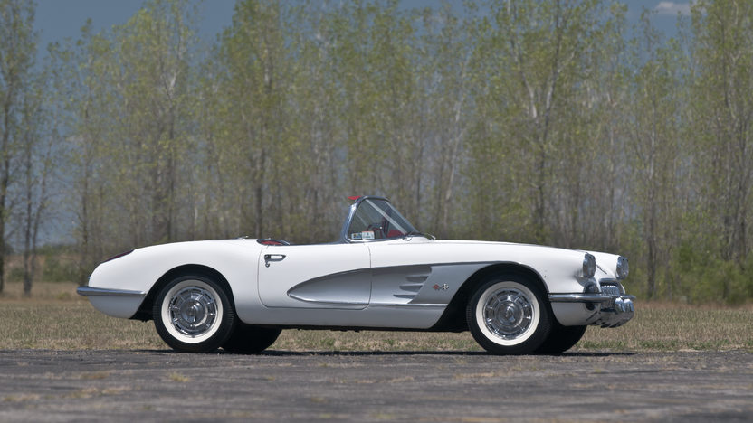 1960 Chevrolet Corvette Convertible 283/230 HP, 4-Speed presented as lot F188 at Kansas City, MO 2012 - image2