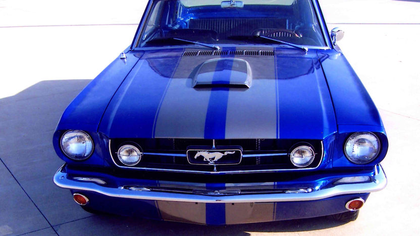1965 Ford Mustang Fastback 302 CI, 5-Speed presented as lot S35 at Kansas City, MO 2012 - image7